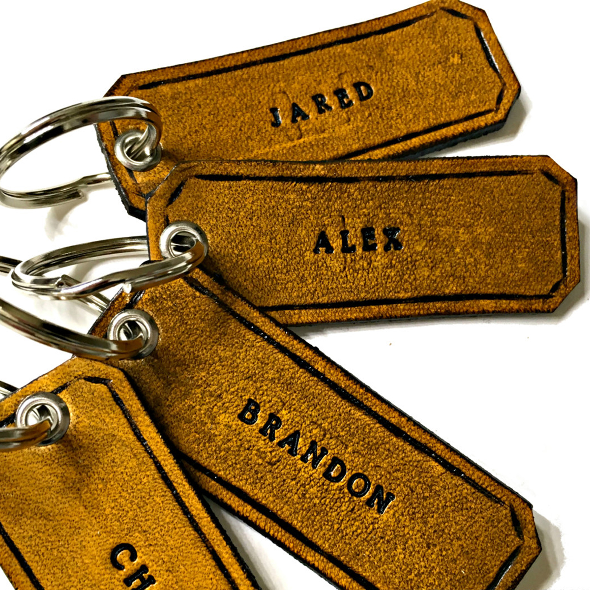 personalized-leather-keychain-the-leather-smithy_1