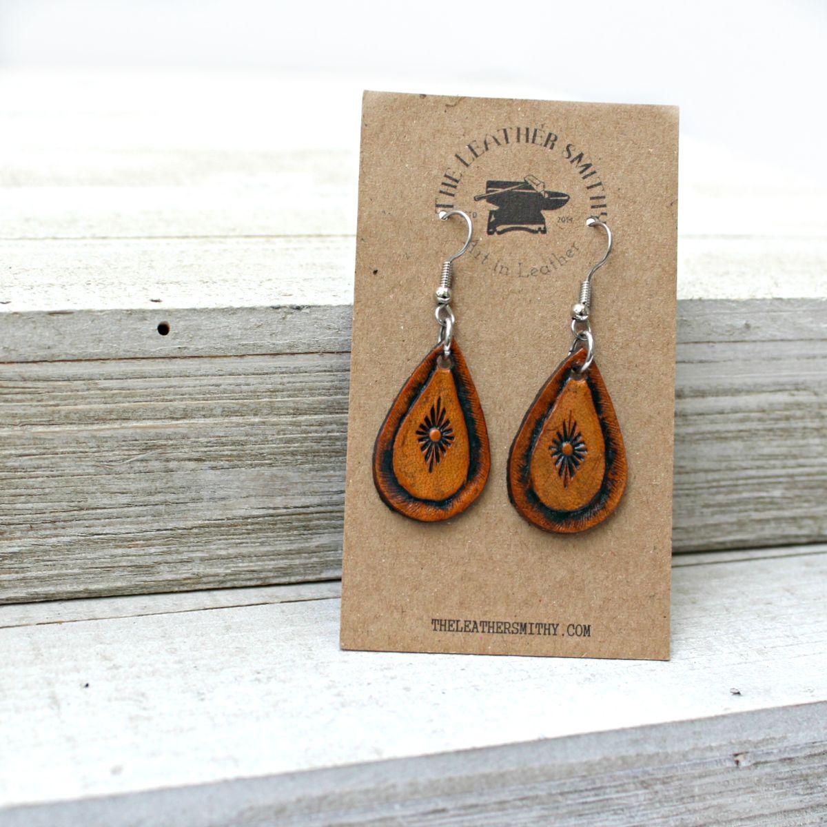 southwestern-sun-teardrop-leather-earrings_1