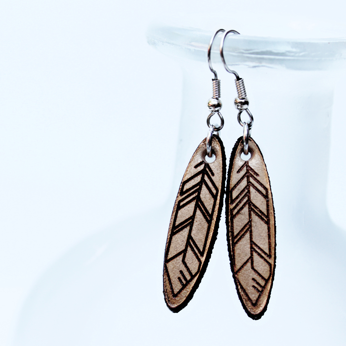 engraved-feather-earrings-the-leather-smithy-WEB