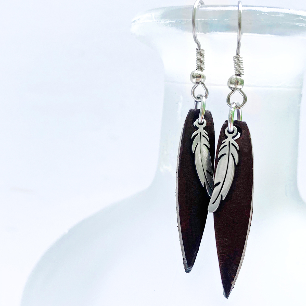 leather-feather-dangle-earrings-the-leather-smithy-WEB2